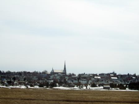 La ville de Rivière-du-Loup par un jour morne de printemps
