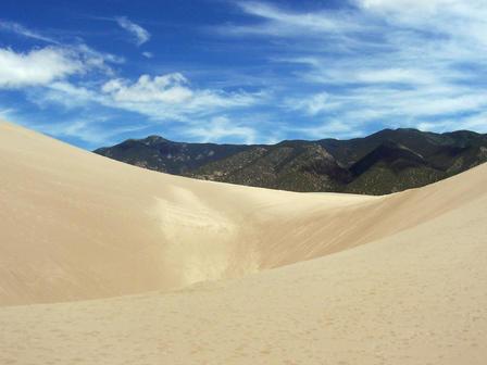 Great Sand Dunes National Park: Un désert dans les rocheuses du Colorado!