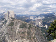 Le Half Dome de Yosemite et la Vernal Fall