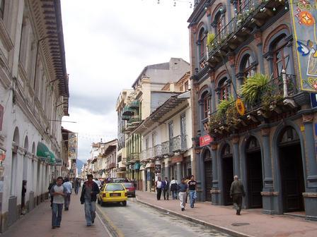 Les rues animées de la ville de Cuenca